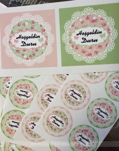 Floral temalı dekoratif etiketler