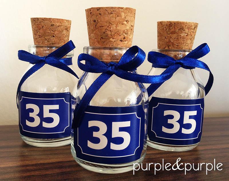 35 yaş temalı minik şişeler