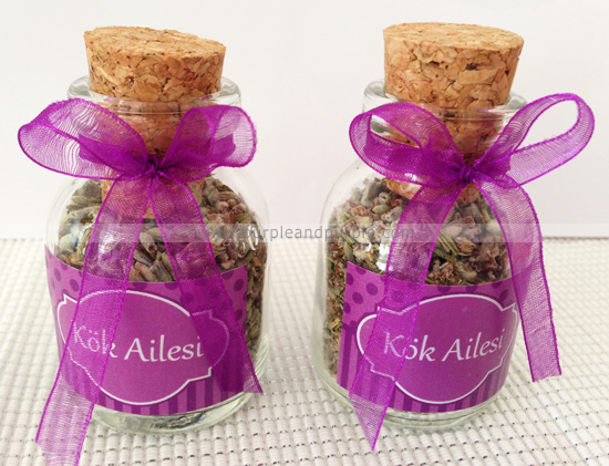 Mevlid hediyesi lavantalı minik şişeler